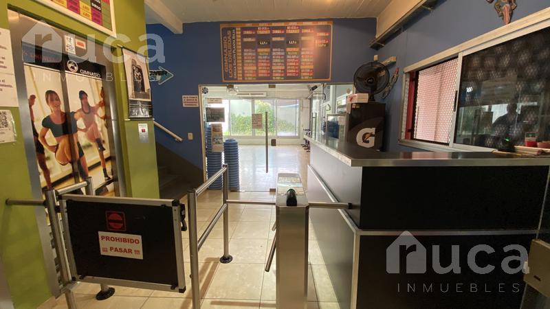 Foto Local en Alquiler en  San Isidro ,  G.B.A. Zona Norte  Edificio comercial con inmejorable ubicación en el centro de San Isidro|Martín y Omar al 100