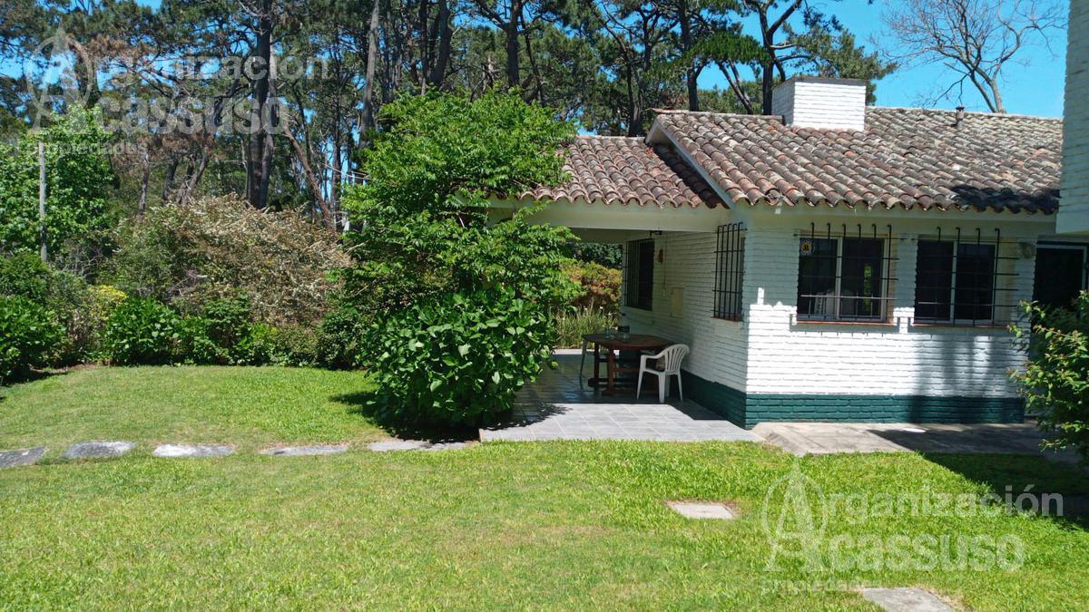 Foto Casa en Alquiler temporario en  Lugano,  Punta del Este  calle Madrid Punta del Este