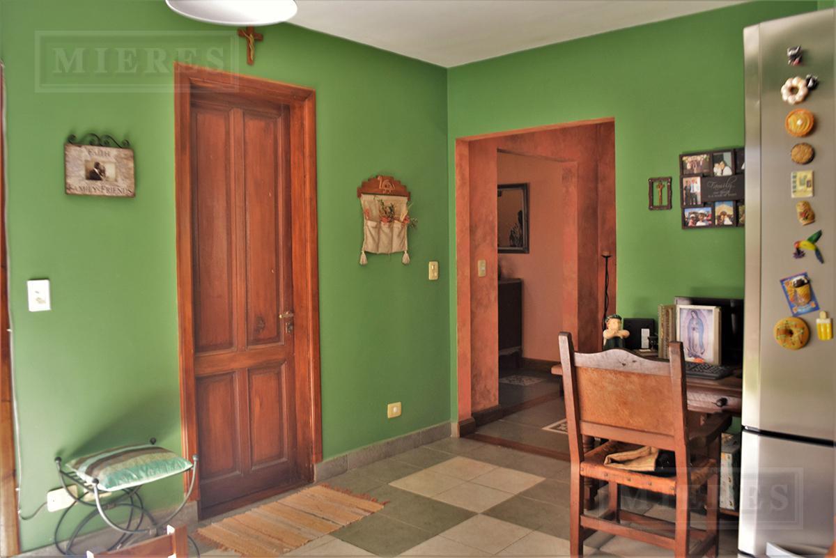 Casa de 214 mts2 en  Santa Maria De Los Olivos