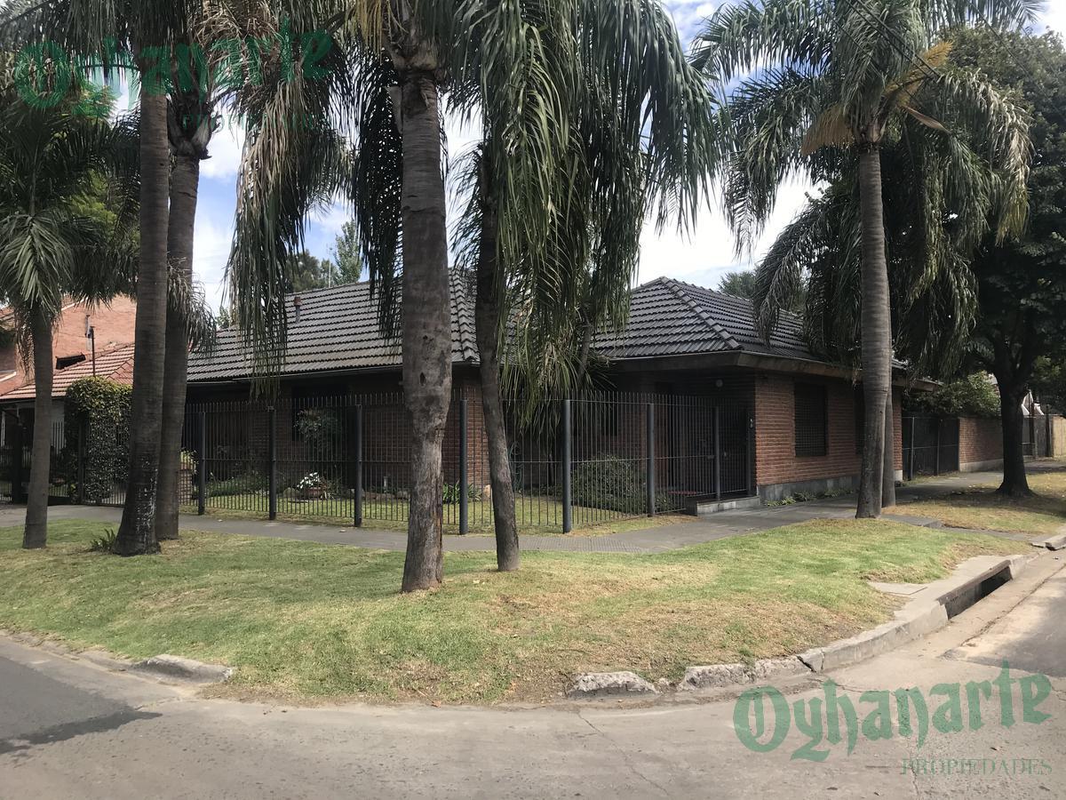 Foto Casa en Venta en  Ituzaingó ,  G.B.A. Zona Oeste  Andres Lamas al 100
