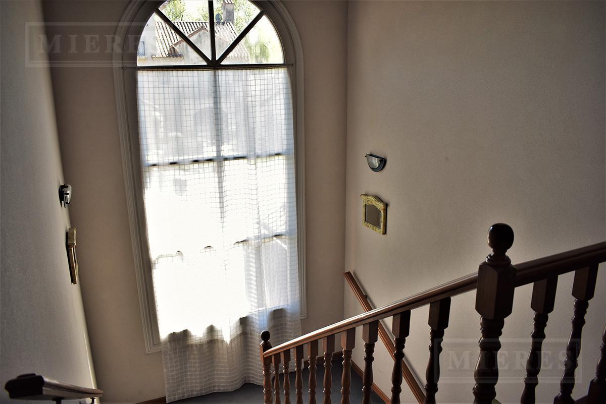 Casa de 340 mts en Tortugas C.C