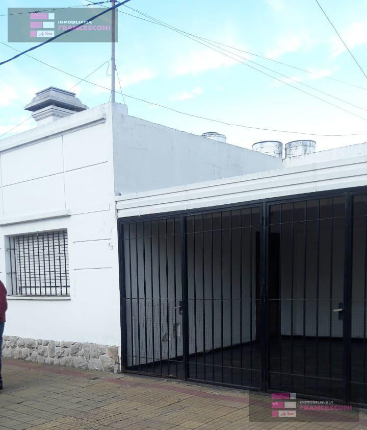 Foto Casa en Venta en  La Plata ,  G.B.A. Zona Sur  14 32 y 33