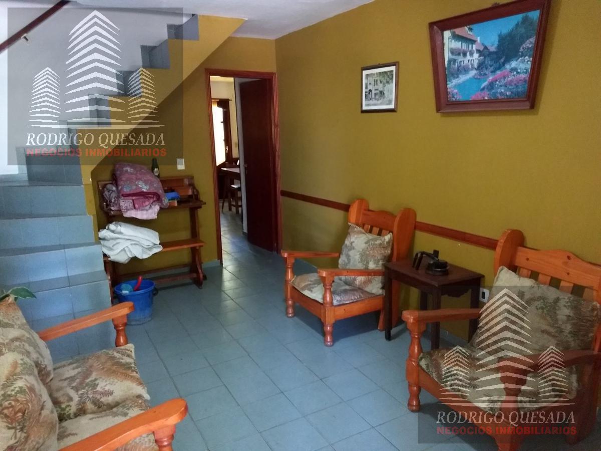 Foto PH en Venta en  Costa Azul ,  Costa Atlantica  COMODO TRIPLEX A DOS CUADRAS DEL MAR
