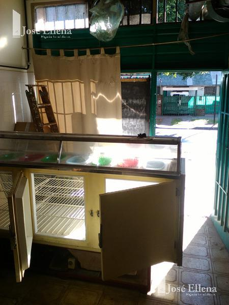 Foto Local en Venta en  Macrocentro,  Rosario  Gaboto al 1600