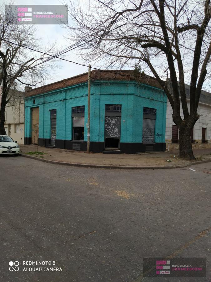 Foto Local en Alquiler en  La Plata ,  G.B.A. Zona Sur  11 esquina 70