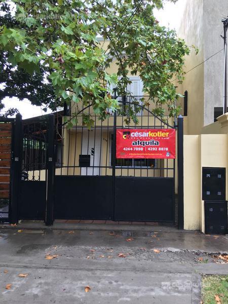 Foto Casa en Alquiler en  Temperley Este,  Temperley  Condarco 219, frente