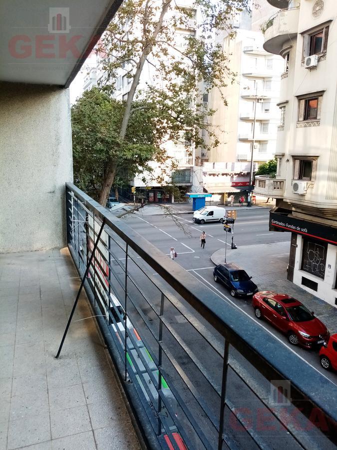 Foto Apartamento en Venta en  Tres Cruces ,  Montevideo  18 de Julio al 2100