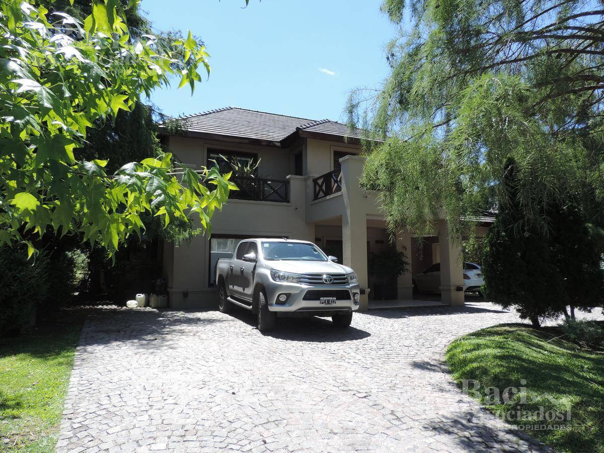 Foto Casa en Venta en  Saint Thomas,  Countries/B.Cerrado (E. Echeverría)  Saint Thomas