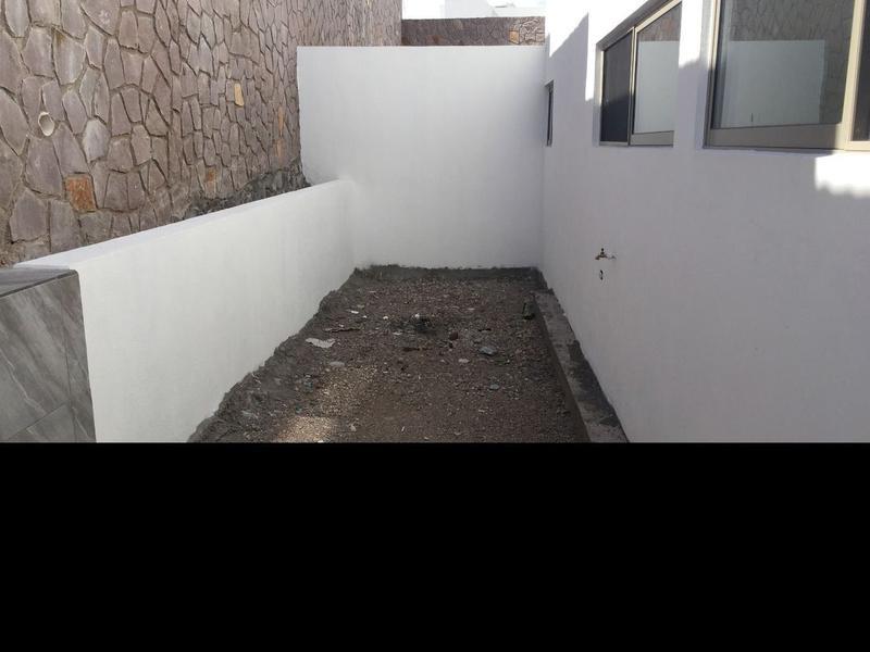 Foto Casa en Venta en  Fraccionamiento Bosques del Valle,  Chihuahua  CASA EN VENTA DE UNA PLANTA EN BOSQUES DEL VALLE