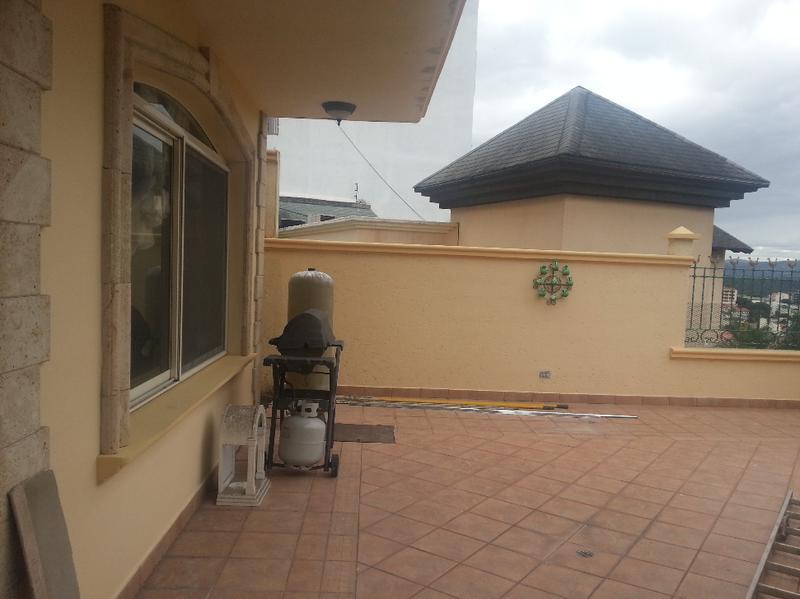 Foto Casa en Venta en  Lomas del Guijarro Sur,  Distrito Central  Casa En Venta Residencial  La Cumbre En Renta o Venta Tegucigalpa