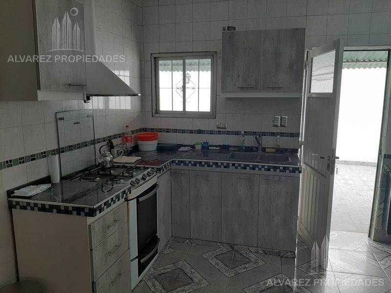 Foto Casa en Venta en  Moron ,  G.B.A. Zona Oeste  Santiago del Estero al 1100