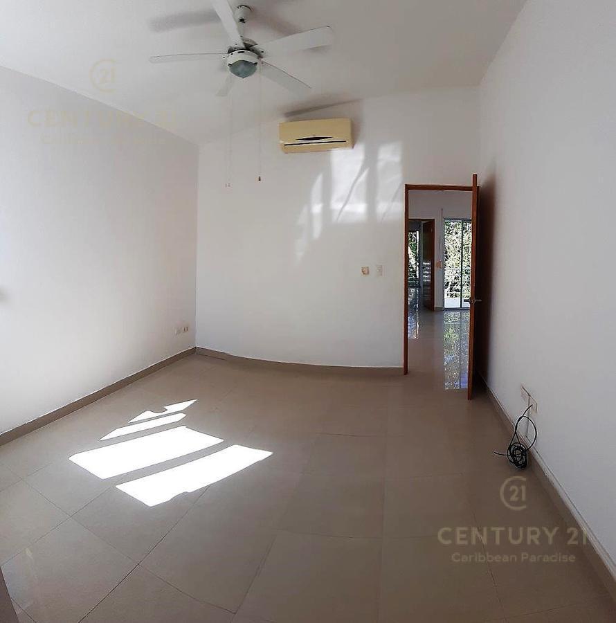 Fraccionamiento Playacar Fase II House for Sale scene image 25