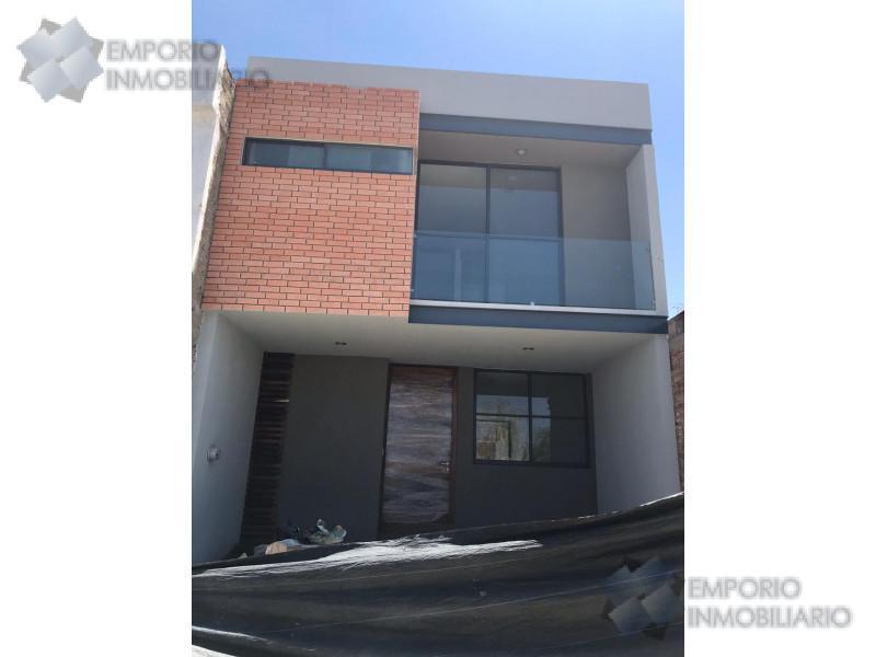 Foto Casa en Venta en  Madeiras,  Zapopan  Casa En Venta En Madeiras $2,430,000 A257 E1