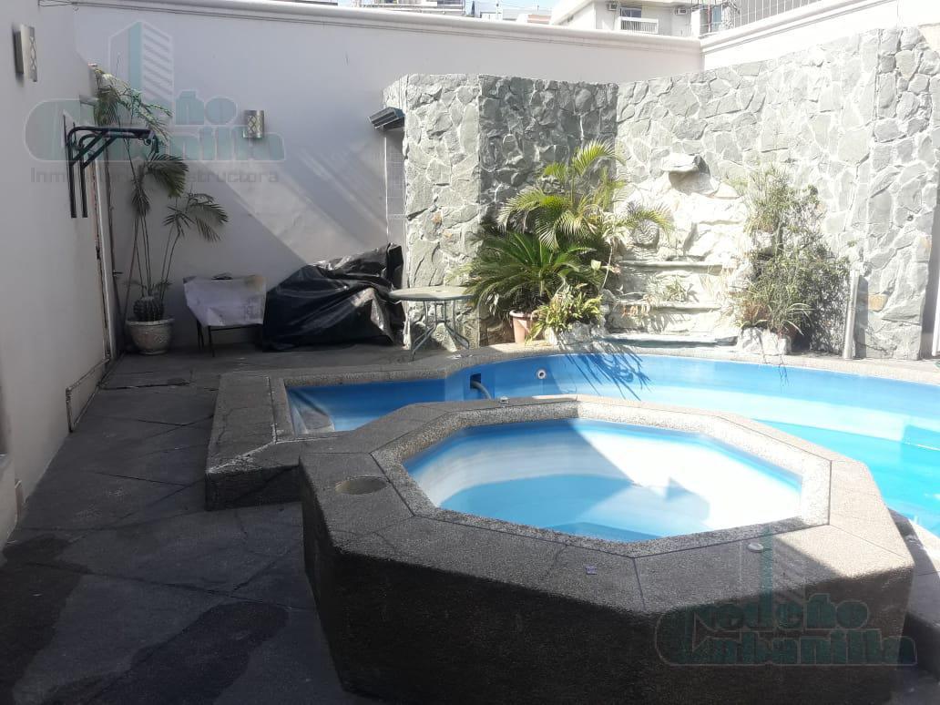 Foto Casa en Venta en  Norte de Guayaquil,  Guayaquil   SE VENDE LOCAL VILLA EN URDESA CORREDOR COMERCIAL