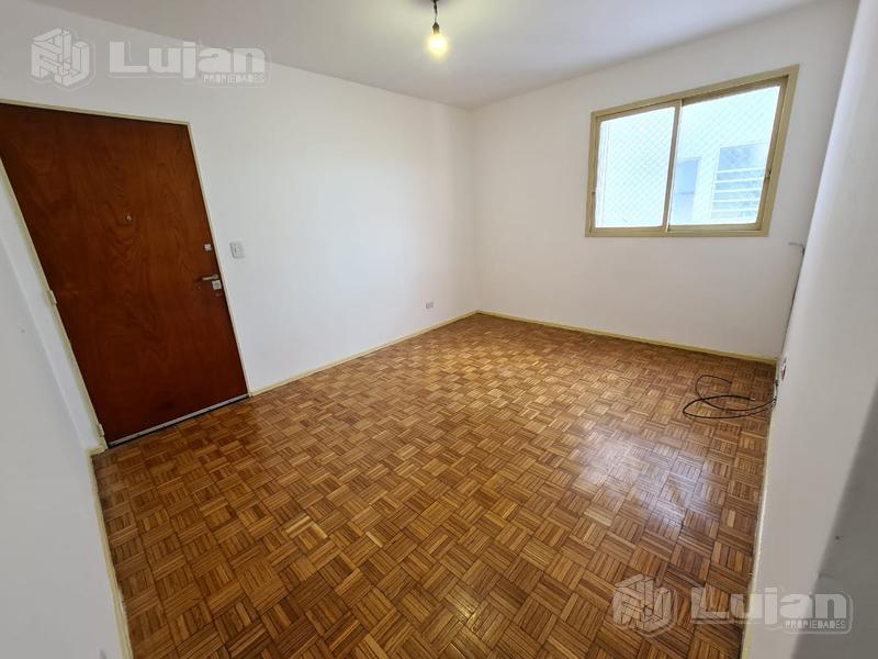 Foto Departamento en Venta en  Floresta ,  Capital Federal  Av Avellaneda 3700