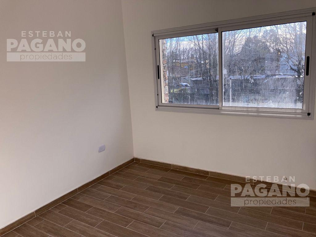 Foto PH en Venta en  City Bell,  La Plata  462 y 21 A