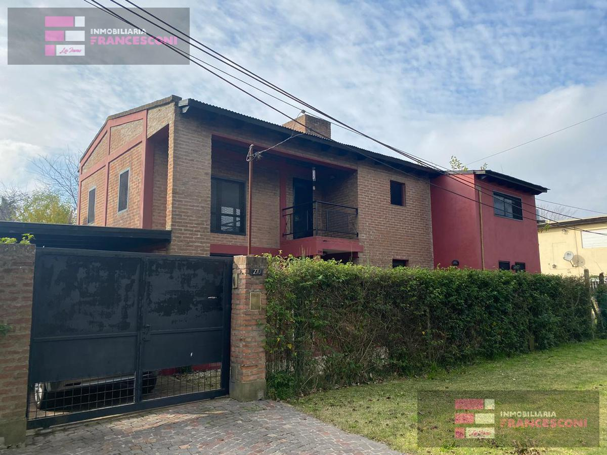 Foto Casa en Venta en  City Bell,  La Plata  21d 457 y 458