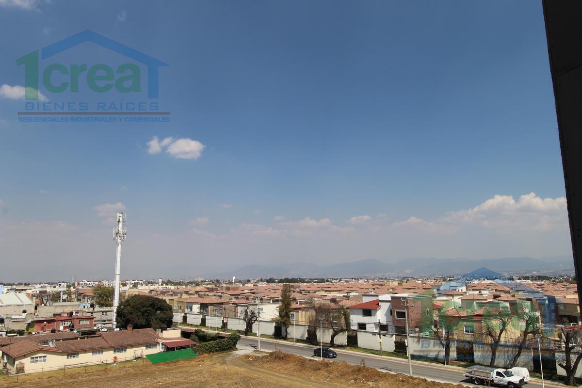 Foto Departamento en Venta en  Bellavista,  Metepec  Paseo