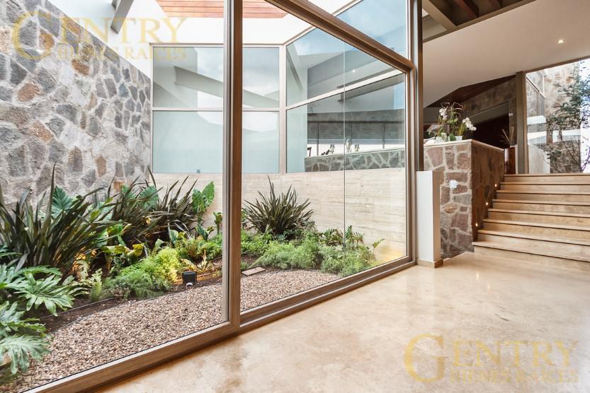 Foto Casa en Venta en  Fraccionamiento El Campanario,  Querétaro  Moderna Residencia en Venta  el Campanario