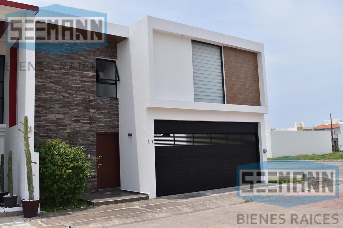 Foto Casa en Venta en  Fraccionamiento Las Palmas,  Medellín  Privada 37 # 11 esquina Blvd Las Palmas, Fracc. Las Palmas, Medellín, Ver