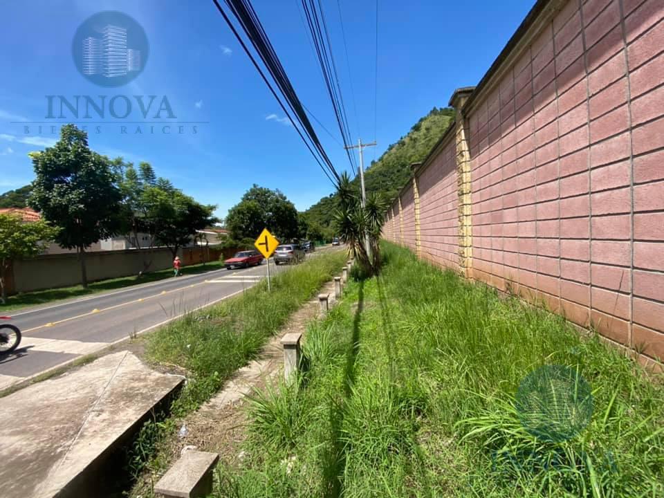 Foto Terreno en Venta en  El Chimbo,  Tegucigalpa  Terreno Comercial En Venta Calle Principal Camino Santa Lucia Tegucigalpa Honduras