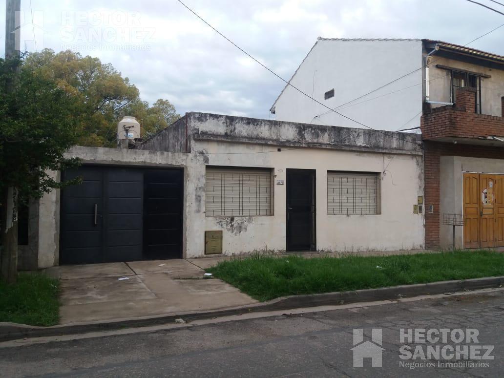 Foto Casa en Venta en  Moron Sur,  Moron  Avellaneda al 2600