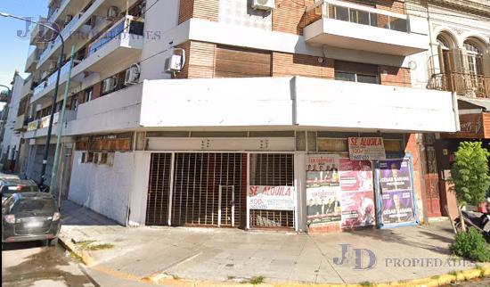 Foto Local en Alquiler en  Velez Sarsfield ,  Capital Federal  AV. RIVADAVIA al 9000