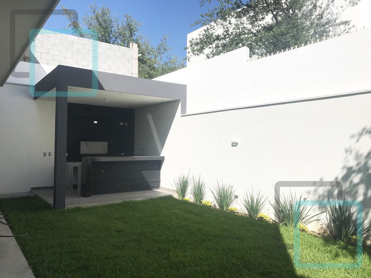 Foto Casa en Venta en  Fraccionamiento Catujanes,  Monterrey  CASA EN VENTA FRACCIONAMIENTO CATUJANES ZONA CARRETERA NACIONAL MONTERREY