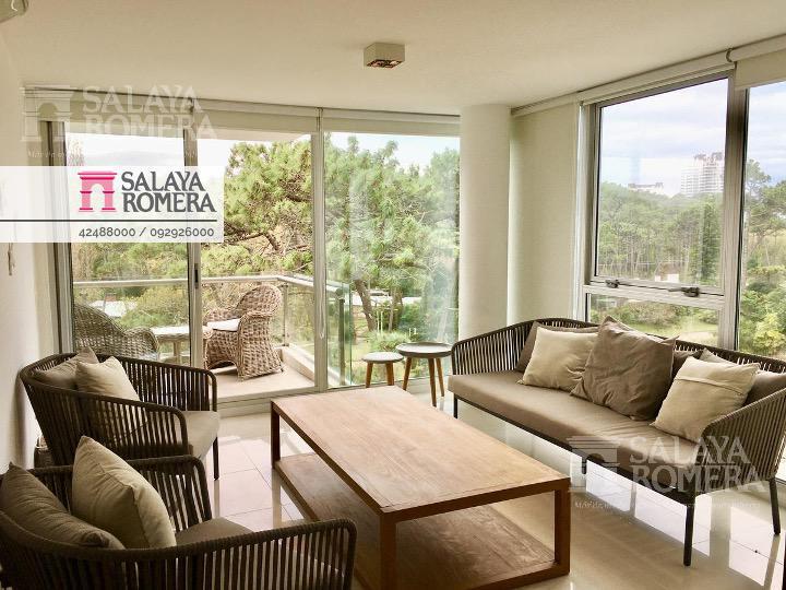 Foto Departamento en Alquiler temporario en  Playa Brava,  Punta del Este  Playa Brava y Av. Roosevelt - Excelente entorno, 2 dormitorios + 2 baños.