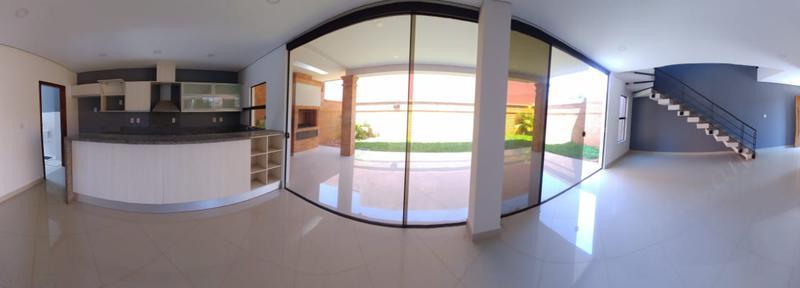 Foto Departamento en Venta    en  Luque ,  Central  Vendo duplex de 3 dormitorios en Luque - Loma Merlo