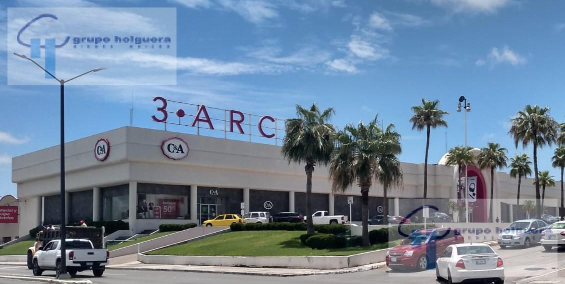 Foto Local en Renta en  Tampico ,  Tamaulipas  AMPLIO LOCAL EN CENTRO COMERCIAL 3 ARCOS, AV. HIDALGO, TAMPICO, TAMAULIPAS