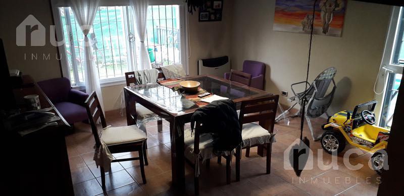 Foto Casa en Venta en  Las Glorias,  Ingeniero Maschwitz  VENTA | Bonita Casa c/Pileta