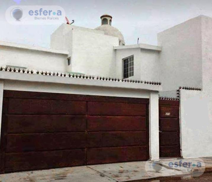 Foto Casa en Venta en  Torreón ,  Coahuila  Casa en venta en Fraccionamiento Oasis