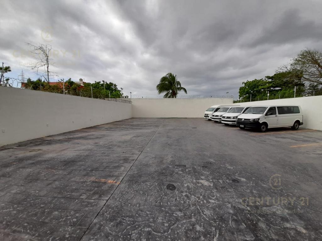 Cancún Commercial Building for Rent scene image 13
