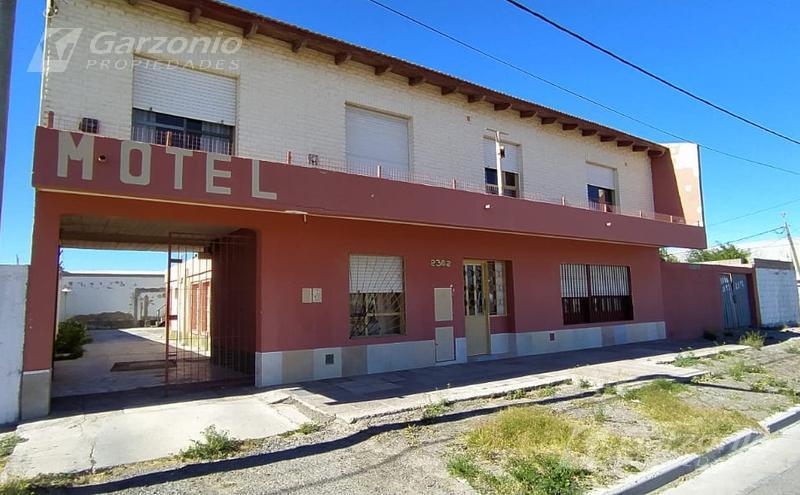 Foto Edificio Comercial en Venta en  Trelew ,  Chubut  Av. La Plata al 2300
