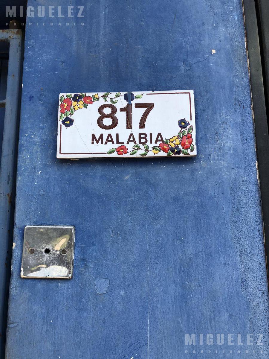 Foto Casa en Venta en  Banfield,  Lomas De Zamora  MALABIA 815, BANFIELD