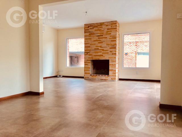 Foto Casa en Alquiler en  Carrasco ,  Montevideo  Casa de 3 dormitorios, 2 garajes, parrillero exclusivo