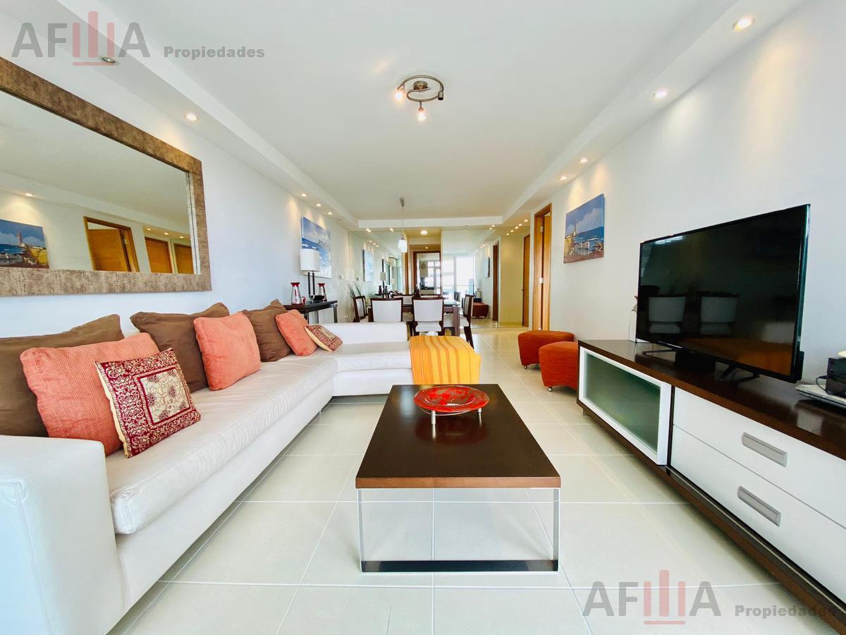 Foto Apartamento en Venta en  Playa Mansa,  Punta del Este  Seasons tower Parada 3 Mansa