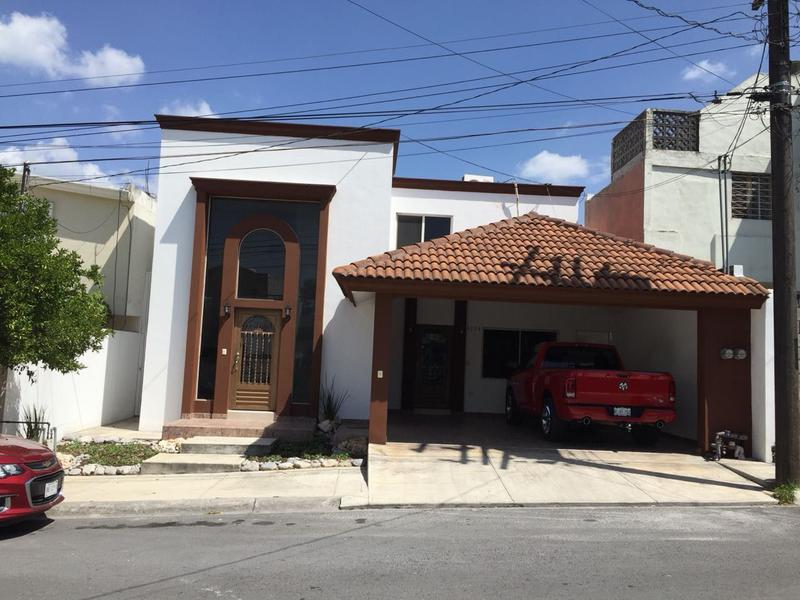 Foto Casa en Venta |  en  Residencial la Hacienda 1 Sector,  Monterrey  GN-2002