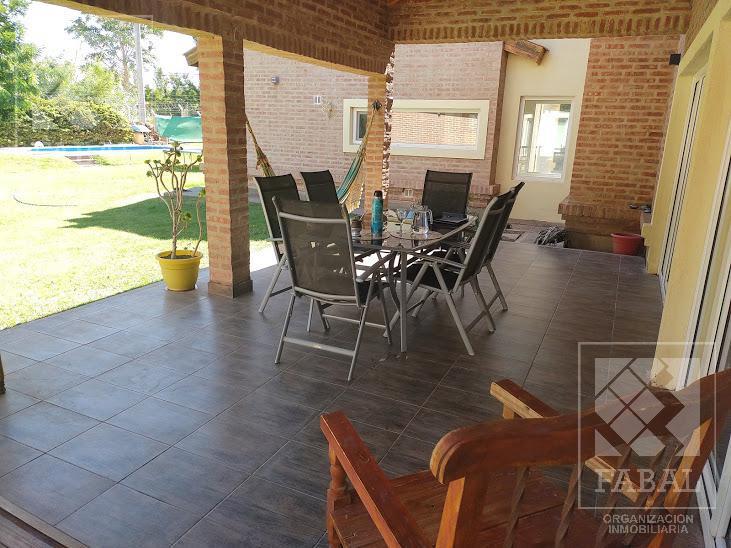Foto Casa en Venta en  Centenario,  Confluencia  Los Olivos - Barrio Privado