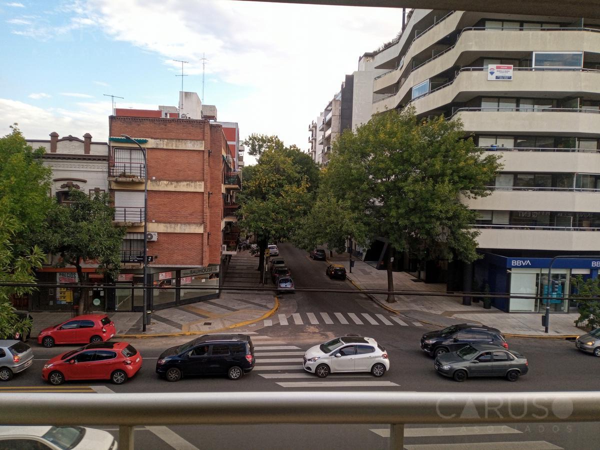 Foto Departamento en Venta en  Colegiales ,  Capital Federal  Alvarez Thomas al 300