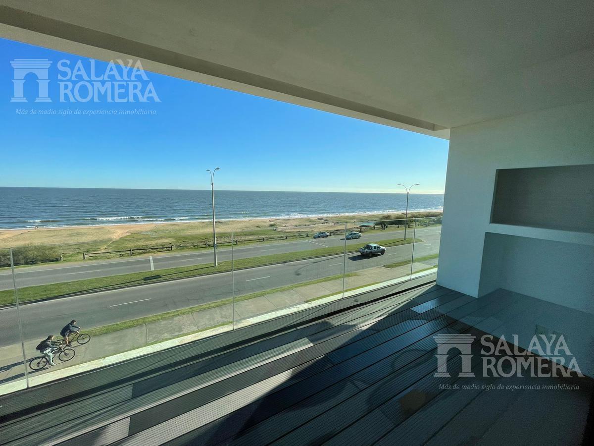 Foto Departamento en Venta en  Playa Mansa,  Punta del Este  Venta primera linea mansa a estrenar Punta del este