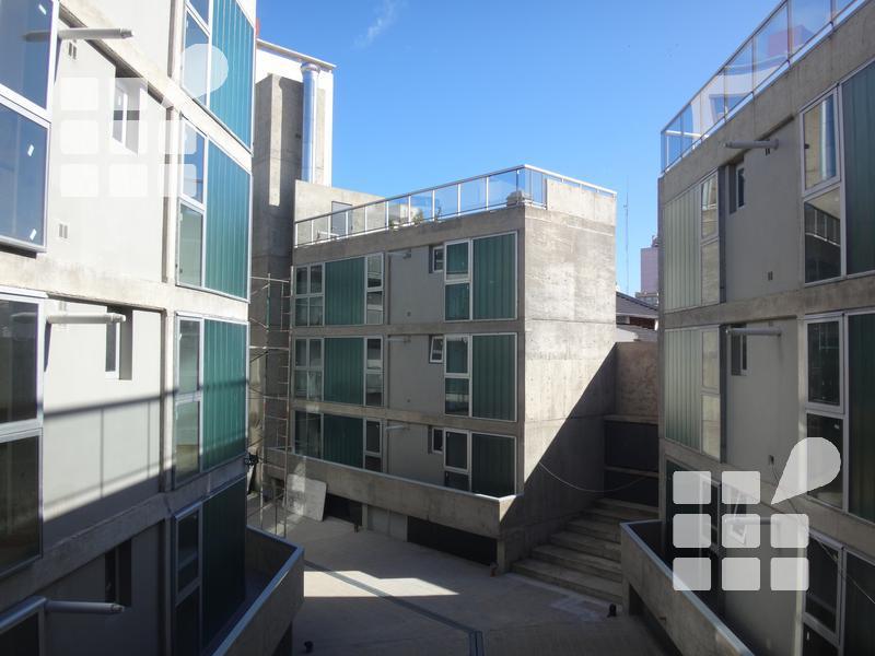 Foto Departamento en Alquiler en  La Plata,  La Plata  Diagonal 73 Nº al 1065