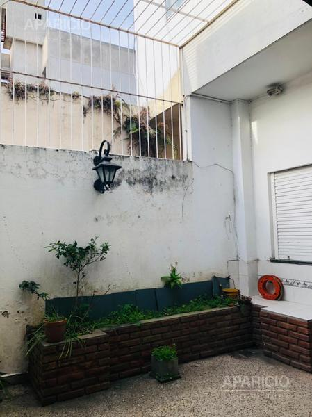 Foto PH en Venta en  La Plata ,  G.B.A. Zona Sur  35 Entre 6 y 7