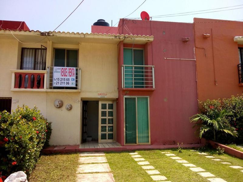 Foto Casa en Venta en  Balcones Del Mar,  Coatzacoalcos  Calle Olas Altas No. 234, Colonia Balcones del Mar, Coatzacoalcos, Veracruz.