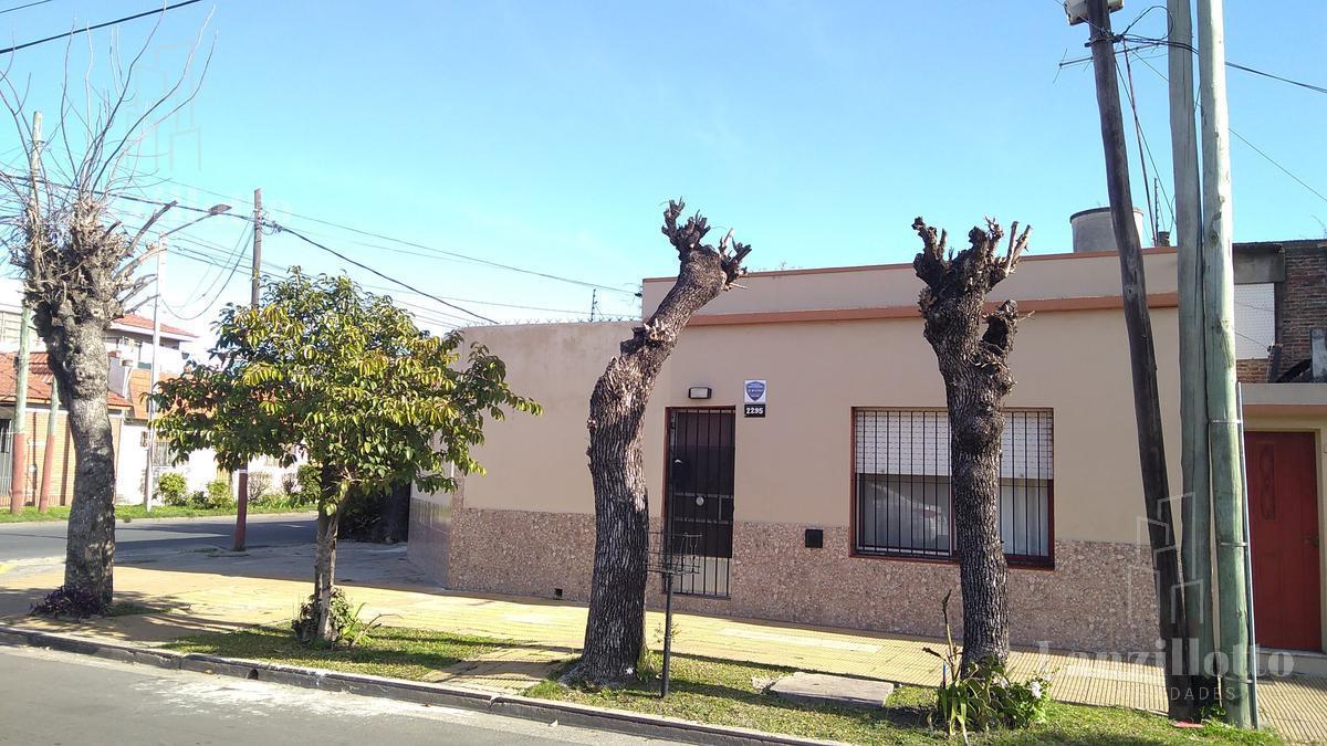 Foto Casa en Venta en  Lanús Este,  Lanús  Las Piedras al 2200