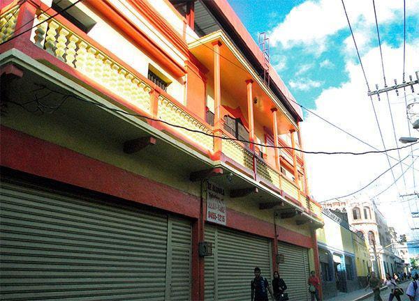 Foto Local en Renta en  El Centro,  Distrito Central  Local Disponible Antiguo Local Terraza Don Pepe (En Centro)