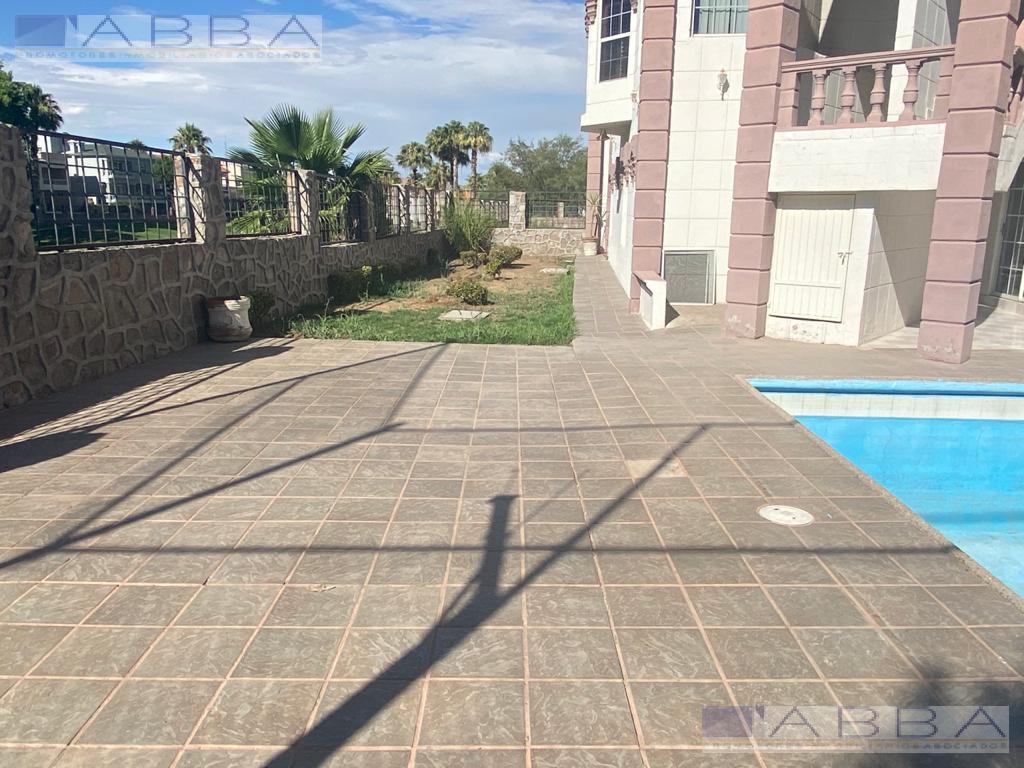 Foto Casa en Venta en  Chihuahua ,  Chihuahua  CASA EN VENTA EN SAN FRANCISCO COUNTRY CON VISTA AL CAMPO DE GOLF CON ALBERCA