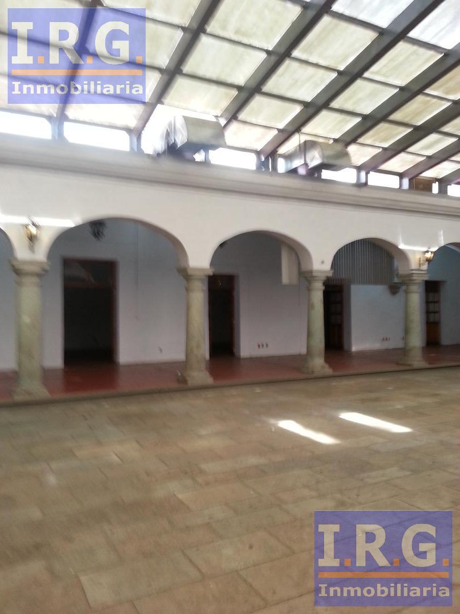Foto Local en Renta en  Oaxaca de Juárez ,  Oaxaca  EDIFICIO COMERCIAL, Oficinas 1200m2 Oaxaca ubicado  en el  Centro.