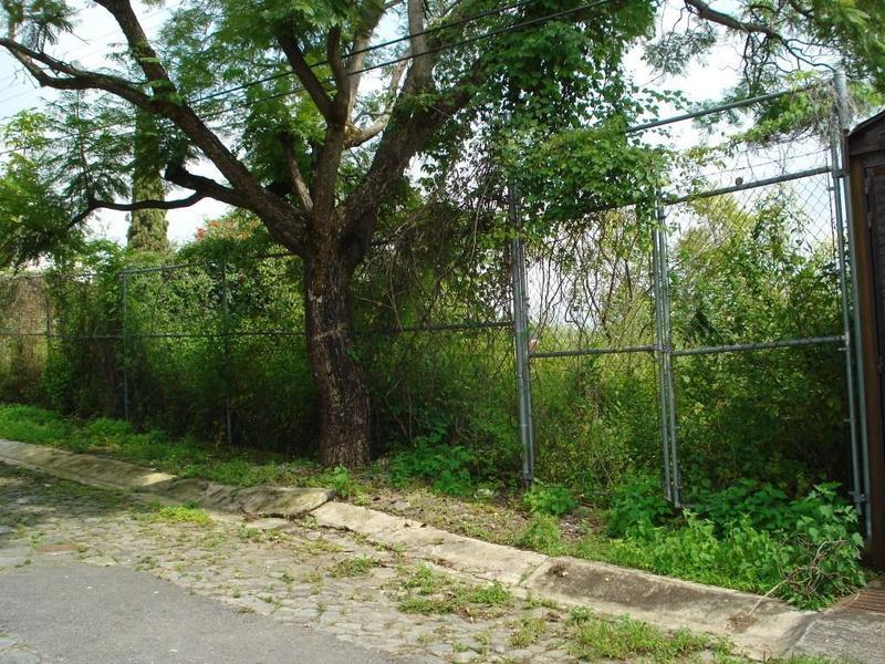 Foto Terreno en Venta en  Fraccionamiento Hacienda Tetela,  Cuernavaca  Terreno Hacienda Tetela, Cuernavaca
